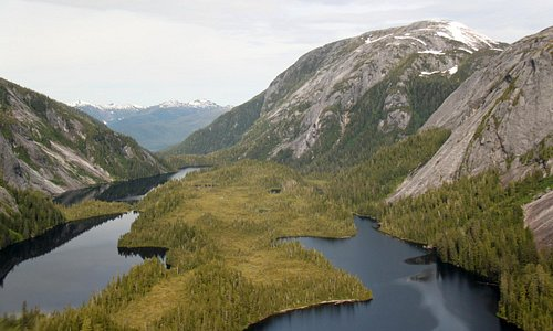 lakes left in glacier carved valleys