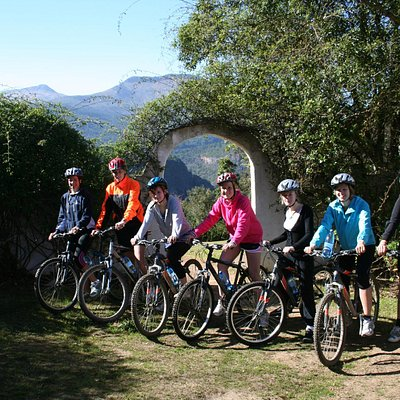 Group ride starting at Away with the Fairies