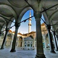 Eski Valide Mosque