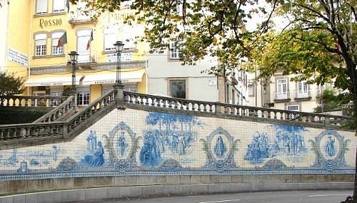 Painel de Azulejos  |  Praca Republica, 10, Viseu, Portugal