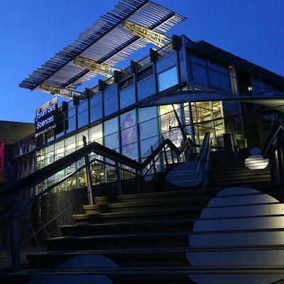 Le Forum, la nuit, belle architecture !