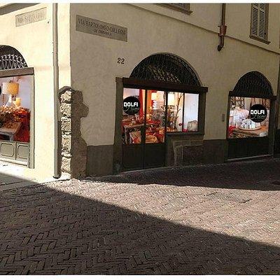 Vetrine negozio sulla Corsarola - Bergamo Alta
