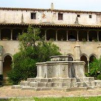 plaza interior del monasterio