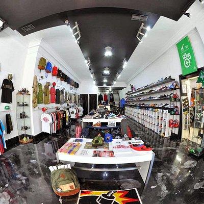 bb branded inside store