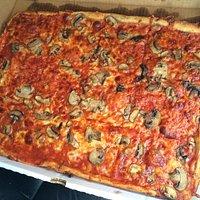 Large Mushroom & Cheese Pizza