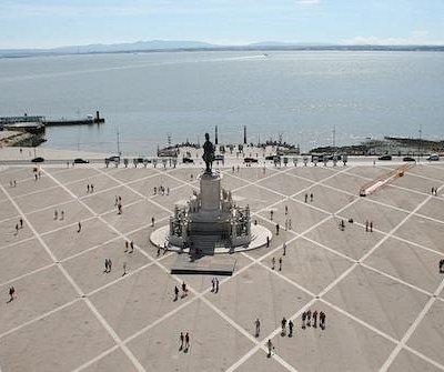 Praça do commerciaux vue du ciel (ou presque)