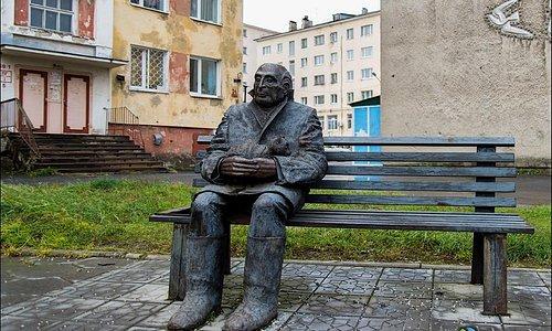 Памятник Козину