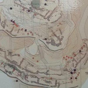 Yacimiento de Castellón Alto donde se señala el sitio exacto donde encontraron las momias.