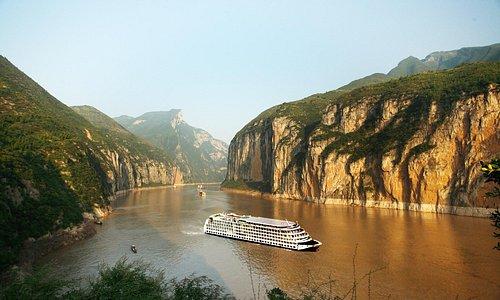 Gorgeous Yangtze Three Gorges