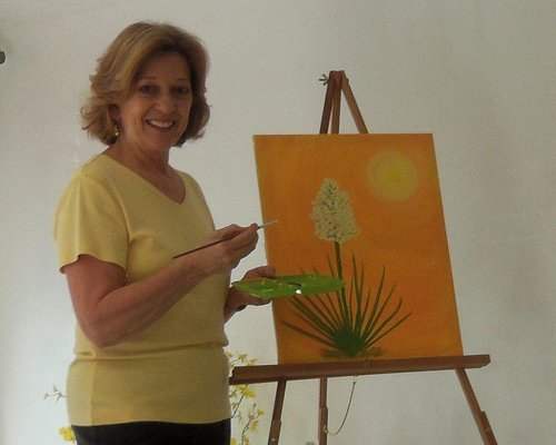 Owner/Artist, Phyllis Anglin