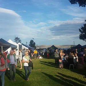 A beautiful spring afternoon at the Hobart Twilight Market