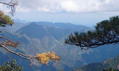 Very nice scenic view 美丽的三清山