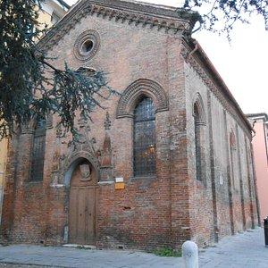 chiesetta di S. Giuliano, adiacente la piazza del Castello
