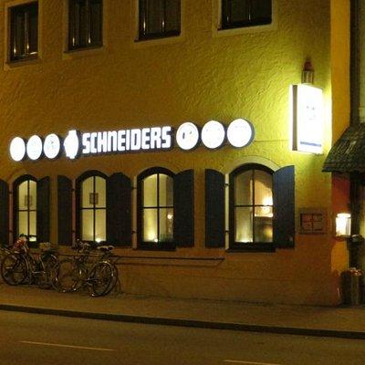 Schneiders' entrance
