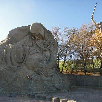 Площадь Скорби . Мамаев Курган