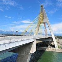 鵬灣跨海大橋為全台唯一可開啟式橋樑