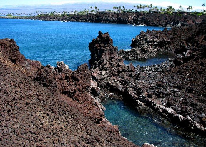 49 Black Sand Beach - Volcanic formations