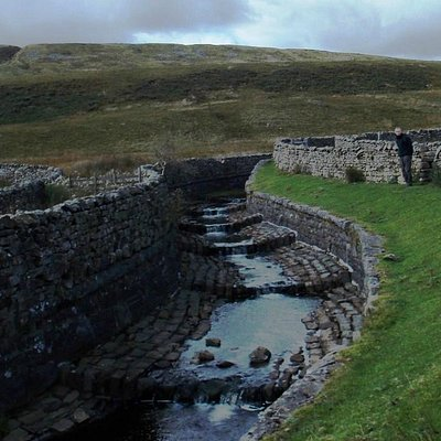 Force Gill Aqueduct as it flows over Settle-Carlisle Railway line