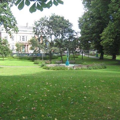 Castle Street garden