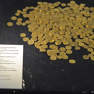 Клад золотых монет