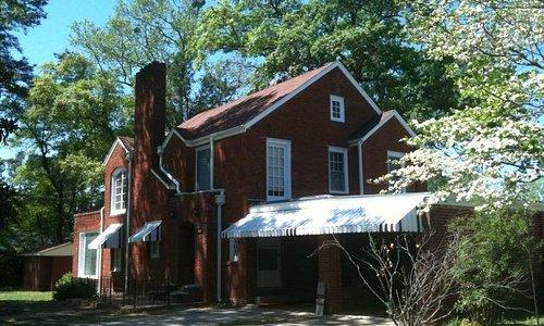 D.F. Lowry House