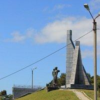 Монумент Скорбящая мать