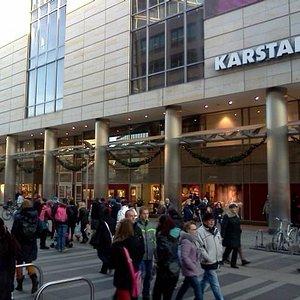 Prager strasse - Karstadt end