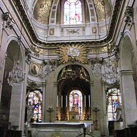 Altar in Saint-Louis en I'IIe - Paris - 28th Oct 2014.