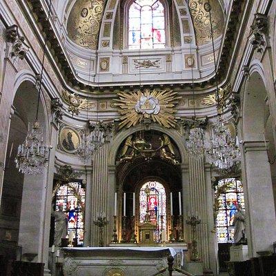 Altar in Saint-Louis en I'IIe - Paris - 28th Oct 2014.