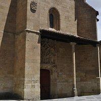 Fachada Parroquia San Benito