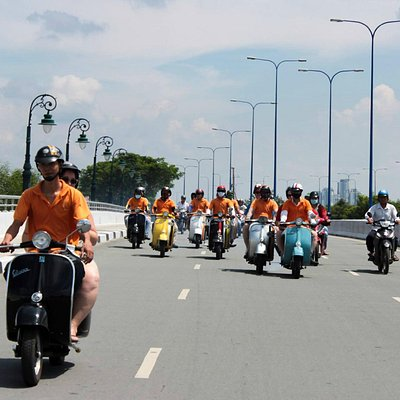 Day tours on Vintage Vespa