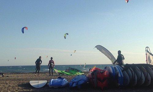 Kitesurf / windsurf / Paddlesurf / Surf.  Escuela, Alquiler , Tienda