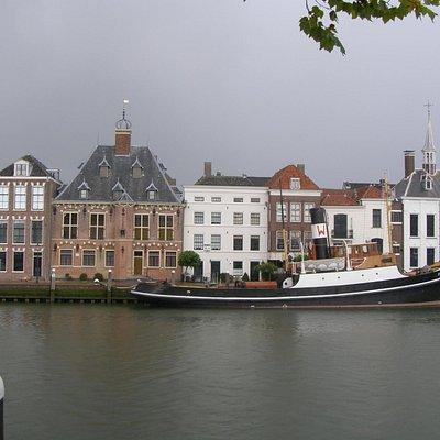 здание ратуши 16 века