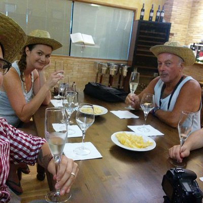 Tasting session with free straw hats