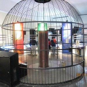 Un ejemplo de experimento en la sala de electromagnetismo.