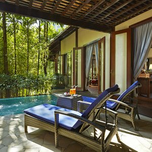Sunway Resort Hotel & Spa - The perfect spot for relaxation by the plunge pool at The Villas.