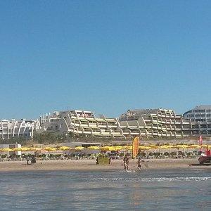 Vue de la plage des alizés depuis un pédalo