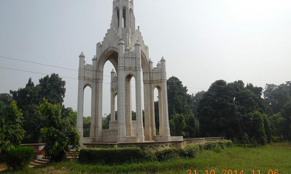 Victoria memorial in Alfred park Allahabad
