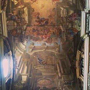 San Bartolomeo dettagli interni