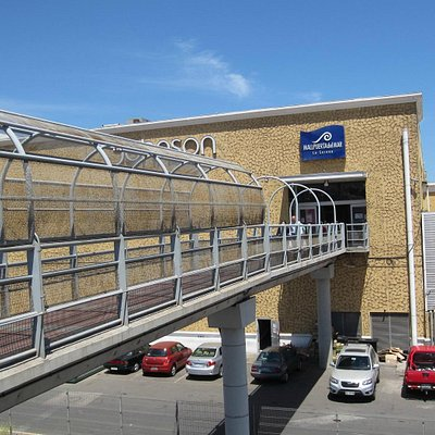 Entrance from overpass - Mall Puerta del Mar - La Serena
