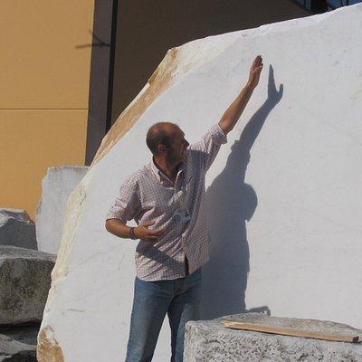 Umberto describing stonecutting techniques