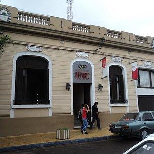 Entrada do Museu e Casa do Esporte de Tacuarembó, Uruguai.