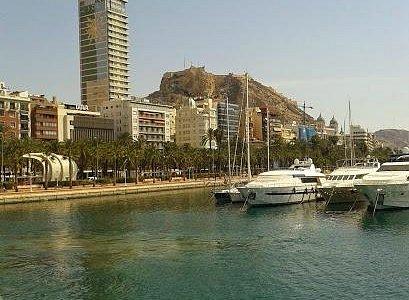 paseo del puerto