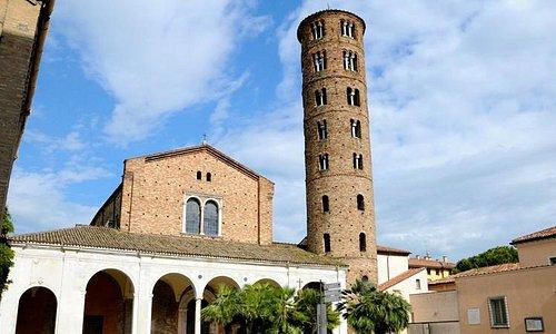 Basilica di Sant'Apollinare Nuovo, esterno