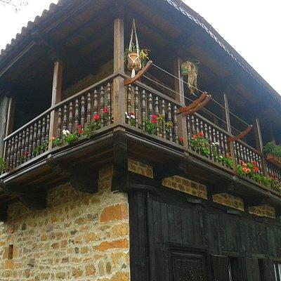 casa de piedra en Bárcena Mayor