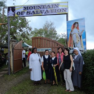 Pilgrims  from various countries