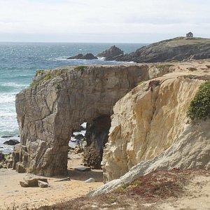 Arche de Port Blanc et pointe du Percho