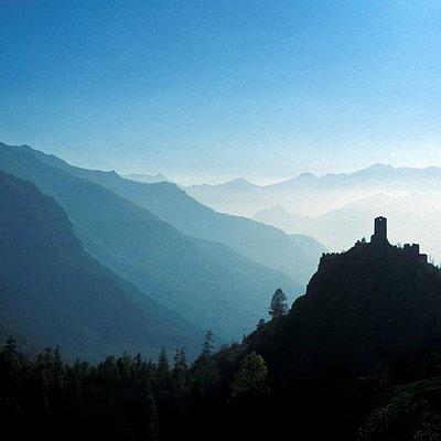 Il castello di Graines in Val d'Ayas