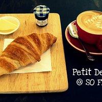 Cafe-croissant