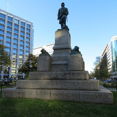 The statue of Admiral David G. Farragut on the square named after him
